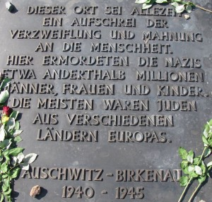 Keine Schluss-sStrich-Mentalität!_fundwerke_012015_Auschwitz
